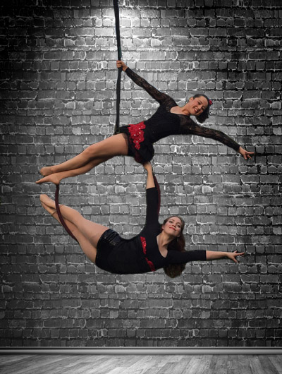 Vaudeville Circus, hoop / singing, Circus Star 2016 performers