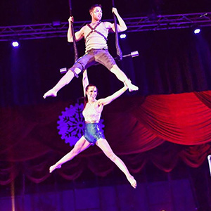 Circus Star USA 2018 mentor, Ashley + Steven